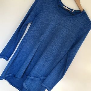 Soft Surroundings   Blue Asymmetrical Long Top